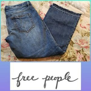 FREE PEOPLE BUTTON FLY RAW HEMLINE JEANS